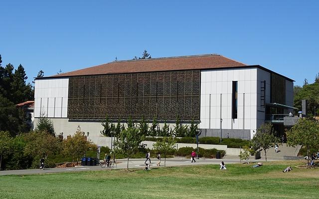مبنى احد الجامعات الامريكية
