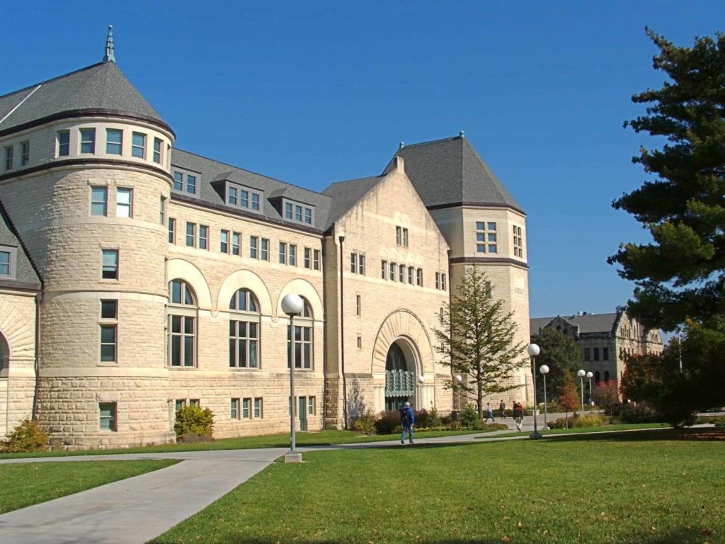 جامعة ولاية الغرب الاوسط