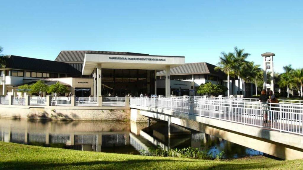 كلية جنوب غرب فلوريدا