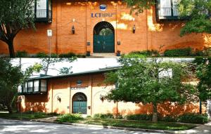 مركز اللغات الدولي ال سي آي