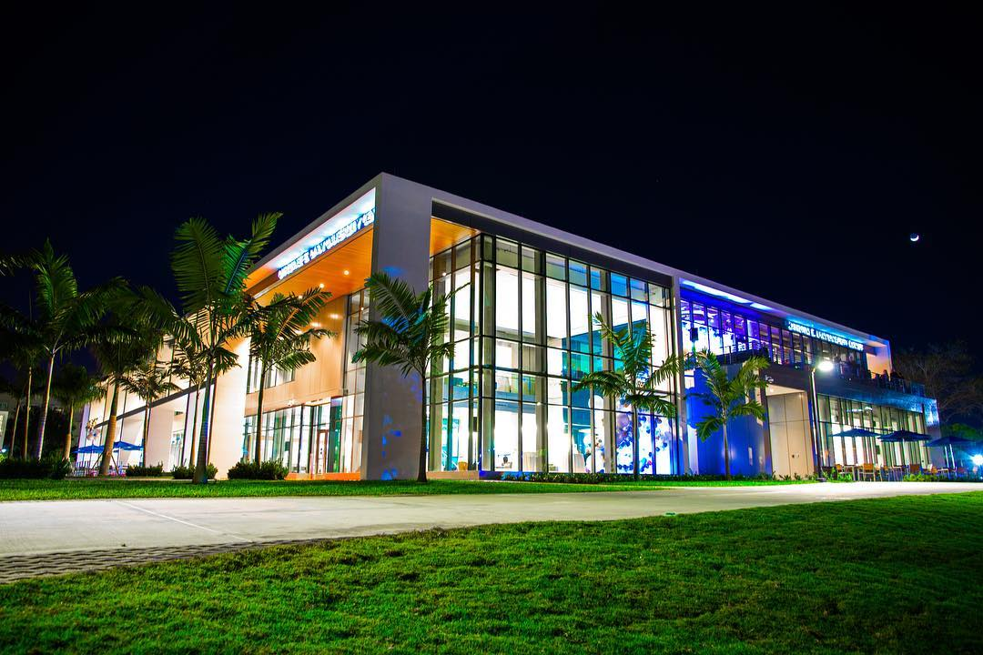جامعة لين – Lynn University