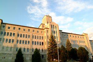 جامعة مونكتون - Université de Moncton