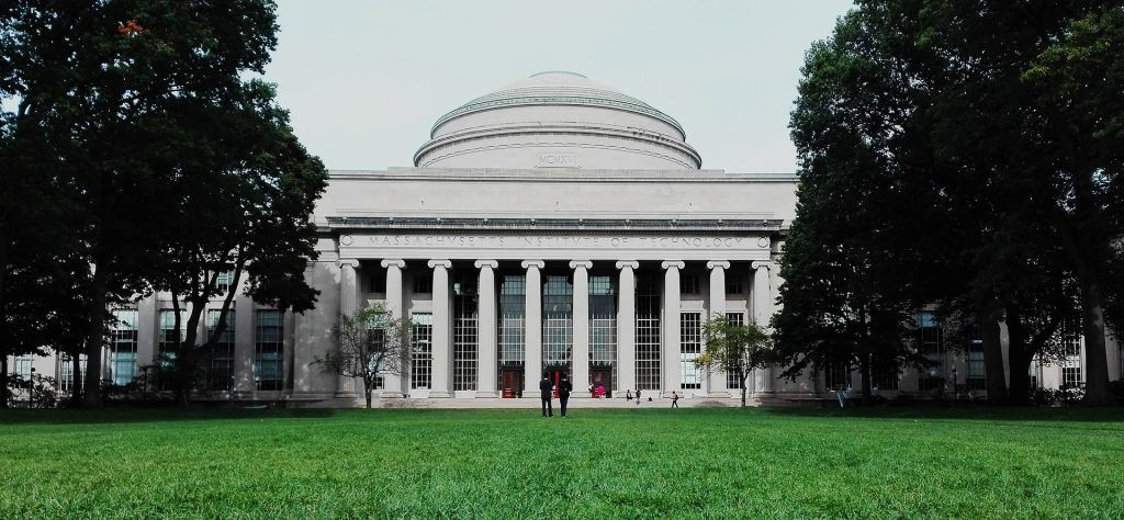 MIT Massachusetts Institute of Technology ماساتشوستس massachusetts معهد ماساتشوستس للتكنولوجيا